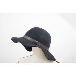 Bass Floppy Winter Wool Black Hat
